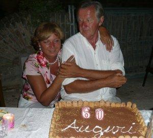 Henk Mastwijk en Tineke Vermeer, feestje met tiramisu